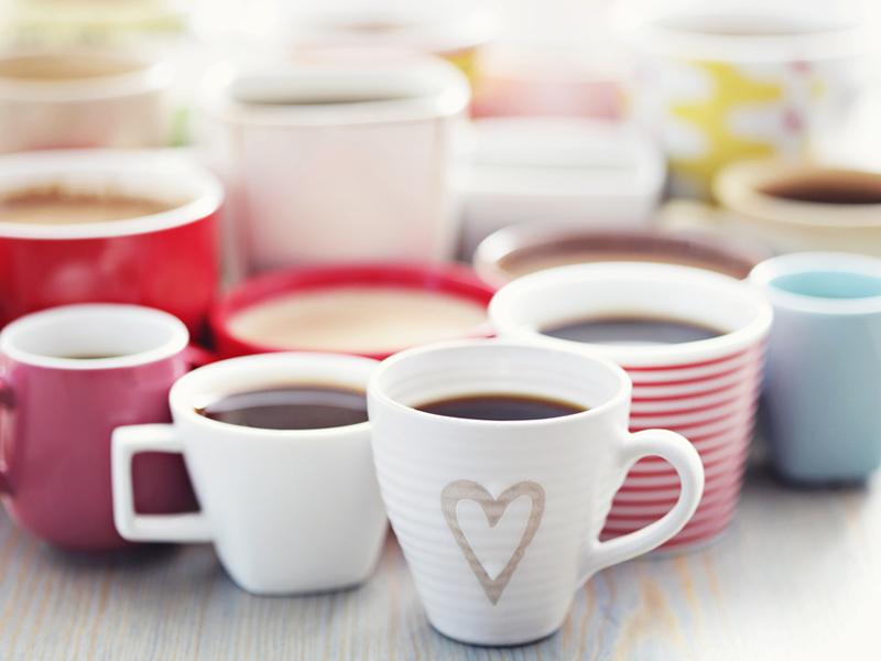 cafeaua decafeinizată arde grăsime)