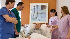Operatie de artroplastie la pacient de 98 de ani la Spitalul Euroclinic